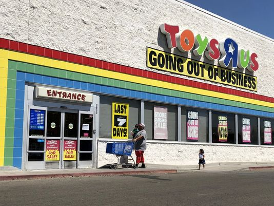 toy-r-us-last-day-june-30-closing-US-stores-royal-trending